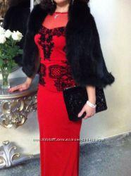 Шикарное вечернее платье с бархатной вышивкой