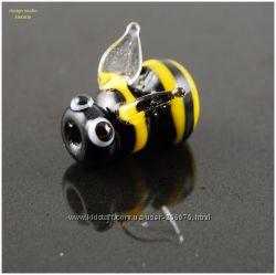 Бусина лэмпворк Пчёлка