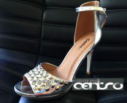 Модные и стильные серебристые босоножки туфли на высоком каблуке с шипами