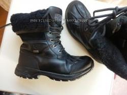 кожаные зимние ботинки UGG 34р 22см