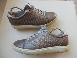 кожаные кроссовки Ecco 35р 23см