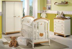 Кроватка TRAMA с матрасом, бельем и мобилем