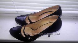 Туфли лаковые Sasha Fabiani
