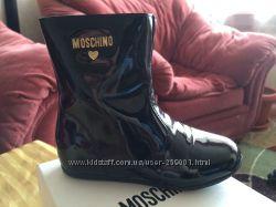 Лаковые сапожки Moschino 23 р-ра