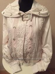 Белая весення куртка с утеплителем Турция