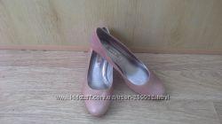 Продам туфли ЕССО р. 37  новыe