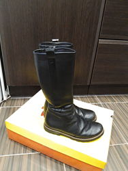 Продам зимние кожаные сапоги 34 размер Tiranitоs