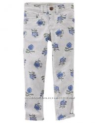 Модные джинсы в цветочках Оshkosh для девочки 4 года