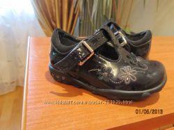 Туфли Clarks с мигающими сердечками