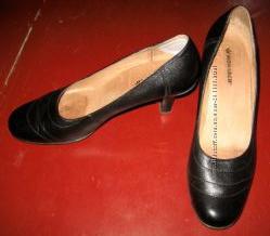 Женские кожаные туфли Монарх, р-р 41, в состоянии новых