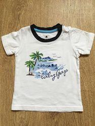 Стильная футболочка для мальчика ф. GAP р. 80-86 в отличном состоянии