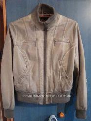 Продам куртку из кожзама хорошего качества