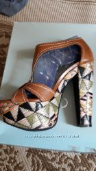Босоножки Jessica Simpson 7. 5 размер в идеале