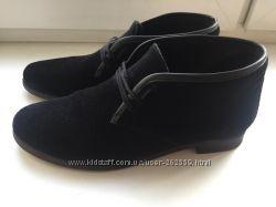 Стильные черные замшевые ботиночки. Идеальное состояние