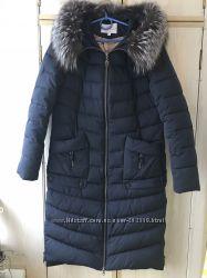 Стильное синее зимнее пальто