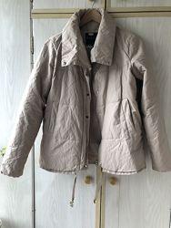 Бежевая куртка Mohito