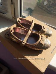Продам новые золотые балетки