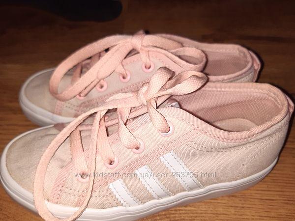 Персиковые кеды Adidas