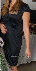 Фирменное стильное класическое  платье черного цвета