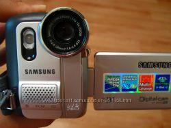 Видеокамера Samsung vp-d453i