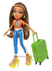 Кукла Bratz серия Study Abroad Doll Обучение за рубежом Yasmin to Brazil