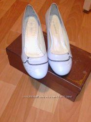 Фирменные кожаные туфли 23. 5см