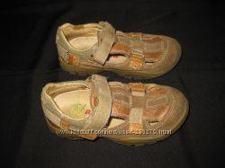 лёгкие кожаные туфли Naturino, стелька16 см