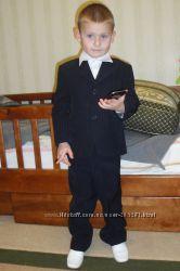 Строгий костюм-тройка на 3-4 года
