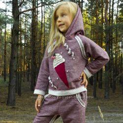 Модные трикотажные костюмы для девочек