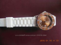 Наручные часы женские  Ив роше
