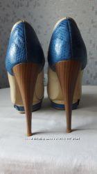 Туфли бежевые на высоком каблуке