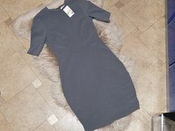 Платье с вырезом на спине H&M р. 10 С-М