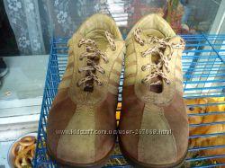 Очень качественные туфли- кроссовки 32 размера