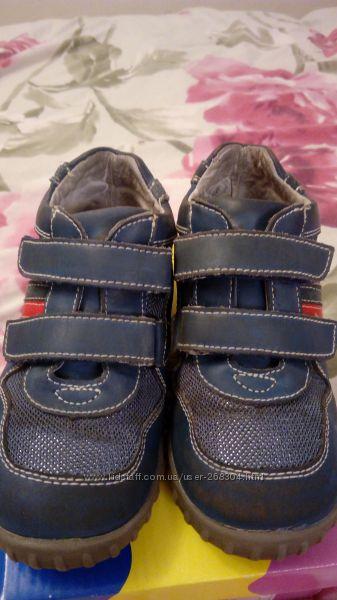 Ботинки B&G размер 26, длина стельки 17 см цену снизила