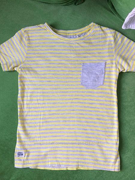 Класна футболочка Reserved на хлопця 5-7 р.122 см.