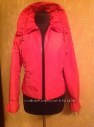 Легкая и невесомая курточка от Snow Image. С лёгким утеплением.
