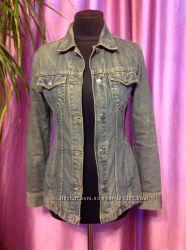 Куртка пиджак джинсовый. Размер М.
