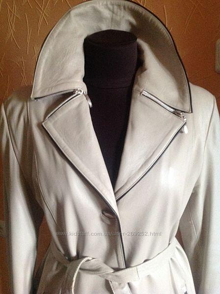 Шикарное плащ-пальто из натуральной кожи.