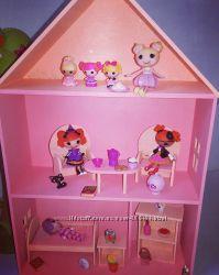 Розовый домик с мебелью для куколок лалалупси