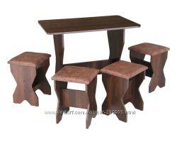 кухонный стол с табуретками