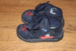 Продам детские ботиночки Zetpol