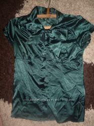 продам женскую блузку на разм 42-44 или S красивый изумрудный  цвет, в хоро
