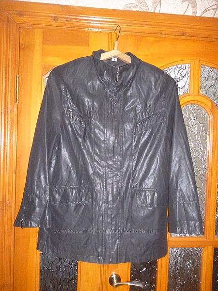 продам курточку ветровку на разм 48-50 или L,  в отличнм состоянии , пересы