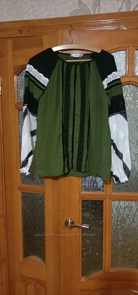 Продам женскую зелёную блузку, под вытынанку на разм М или 44-46, в отличном
