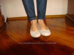Продам золотые балетки BARRATTS размер 4