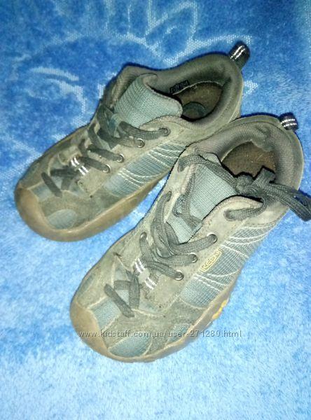 Продам кроссовки KEEN  на мальчика 33 размер