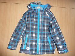 продам демисезонную куртку NORTHVILLE C&A на мальчика 116 рост