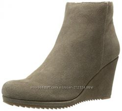 Dolce Vita Women&acutes Piscal Wedge Boot