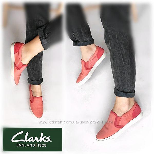 36-37р Кожа Новые Clarks Англия розовые слипоны, мокасины