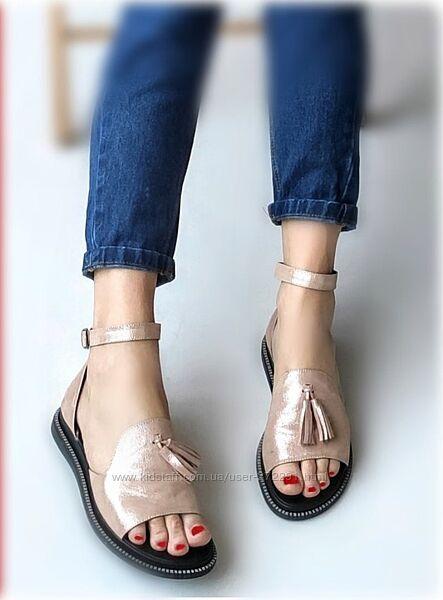 38-39р Кожа Новые серебристые кожаные босоножки, сандалии
